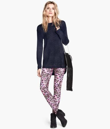 Alessandra Ambrosio lansuje modę na kolorowe legginsy