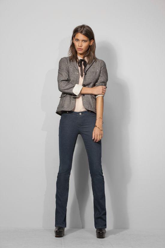 Levi's® przedstawia nowe Curve ID Bootcut Skinny