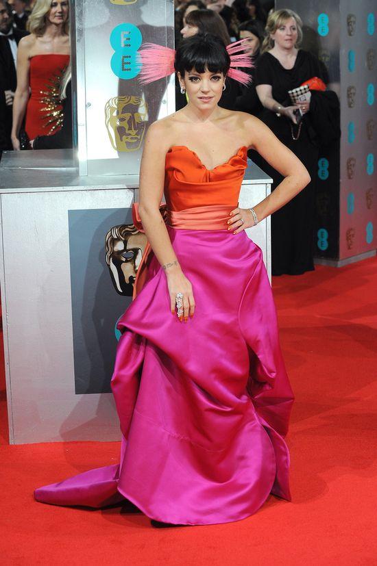 Lily Allen i jej ściągająca uwagę kreacja na gali BAFTA 2014