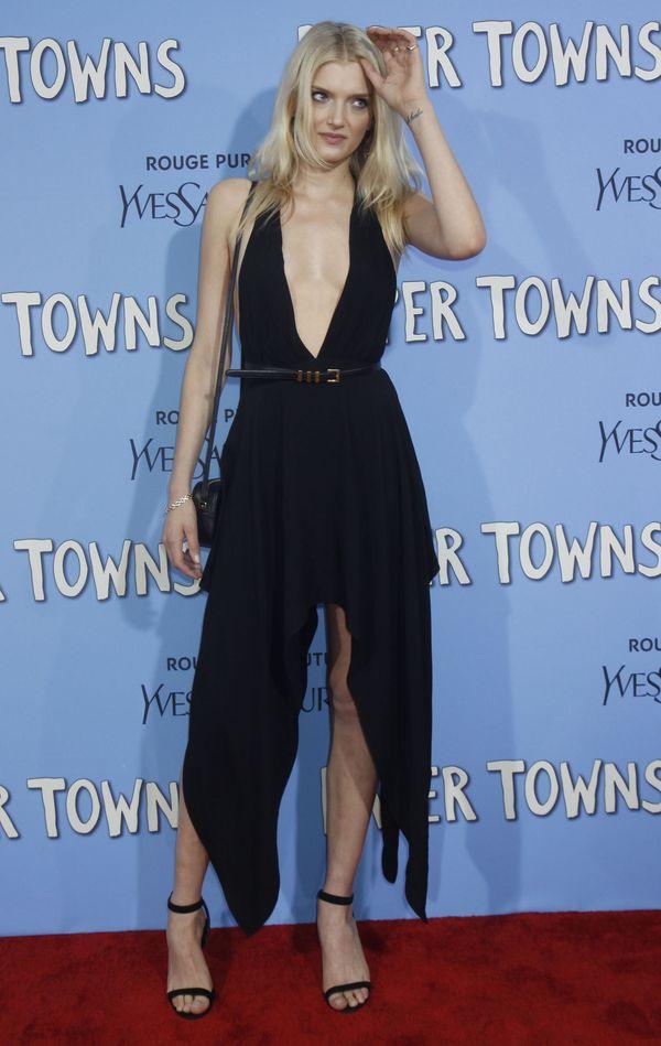 Modelki wspierały Carę Delevingne na premierze w Nowym Jorku