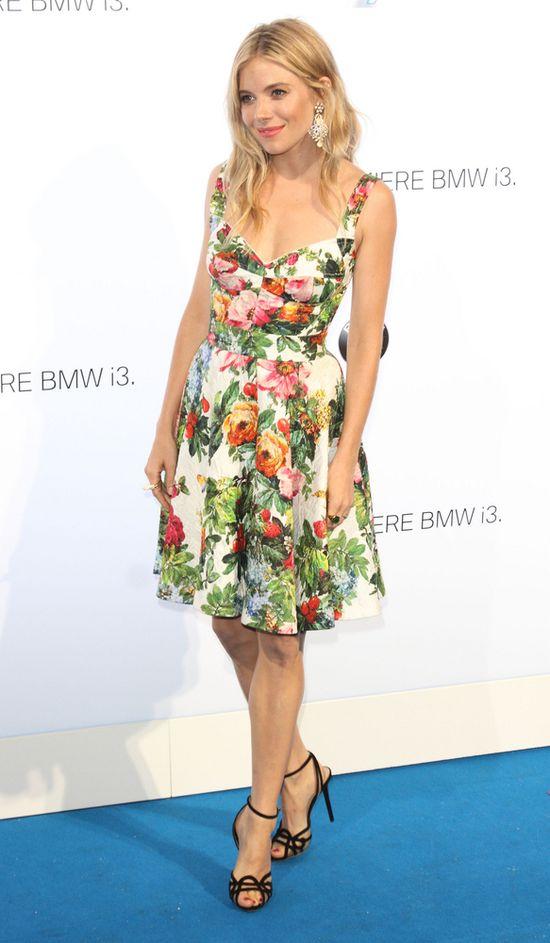 Sienna Miller w sukience Dolce&Gabana