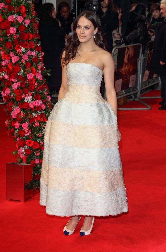 Jessica Brown Findlay w Christian Dior Couture (FOTO)