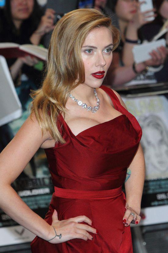 Zmysłowa Scarlett Johansson w Vivienne Westwood (FOTO)