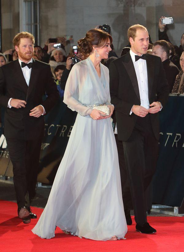 Kate Middleton zachwyca na premierze nowego Bonda (FOTO)