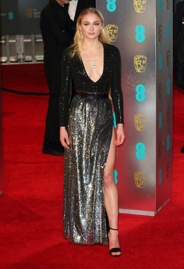 Gwiazda Gry o tron, Sophie Turner, zaręczona! (FOTO)