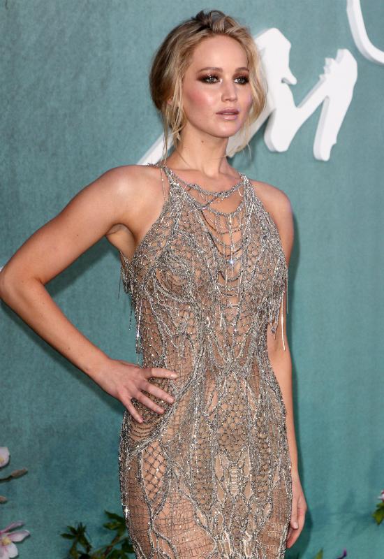 Srebrna zbroja Jennifer Lawrence olśniewa na czerwonym dywanie!