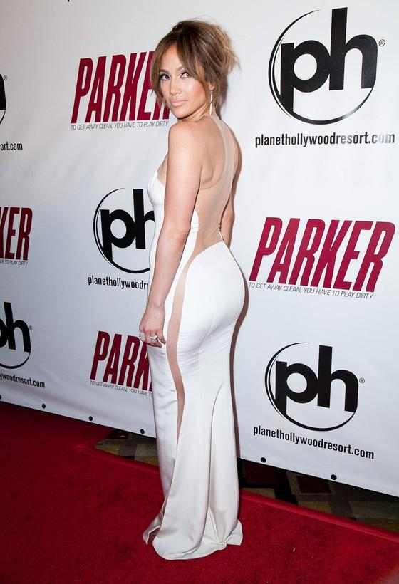 Jennifer Lopez w białej sukni
