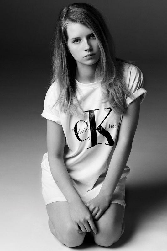 Siostra Kate Moss robi furorę w kampanii Calvina Kleina!