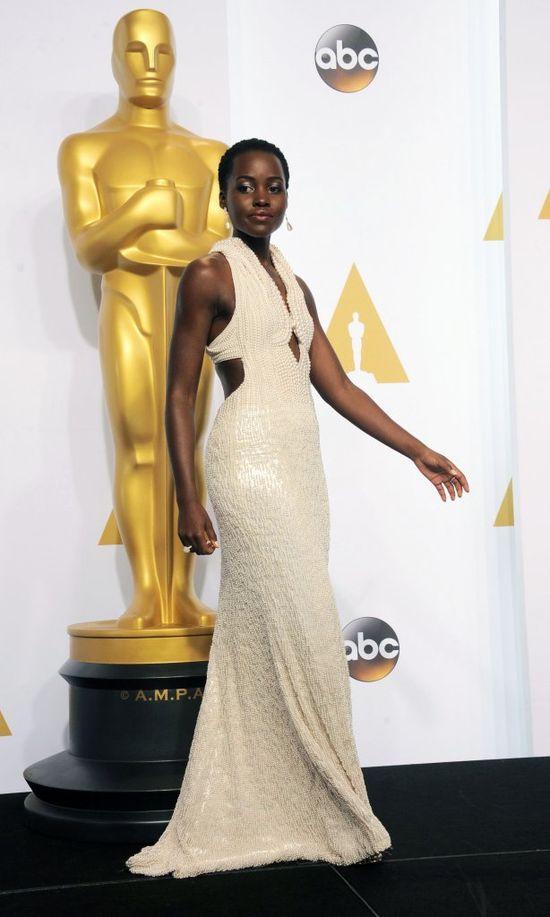 Oscarowa kreacja Lupity Noyong'o została skradziona! (FOTO)