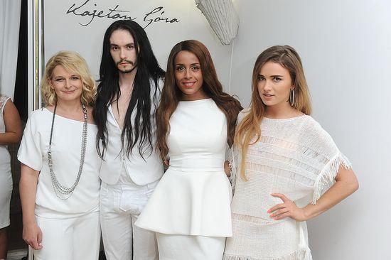 Maffashion w białej tunice KappAhl