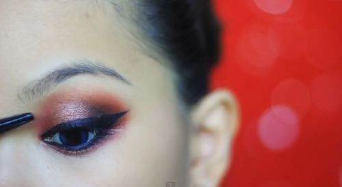 Świąteczny makijaż w kolorze cherry (FOTO)