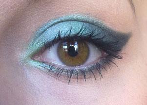 Opalizujący makijaż - kocie oko