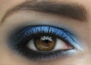 Wiosenny Makijaż W Kolorze Niebieskim Zeberkapl