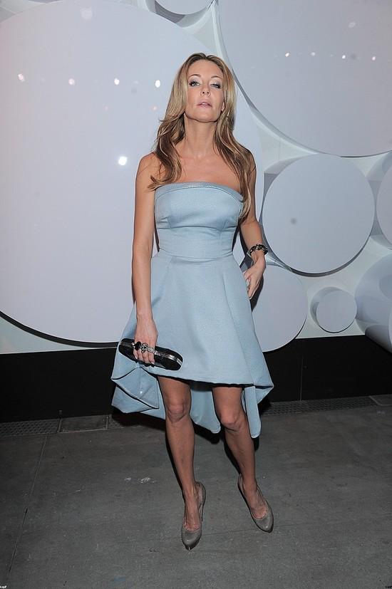 Małgorzata Rozenek czuje wiosnę w niebieskiej sukience (FOTO