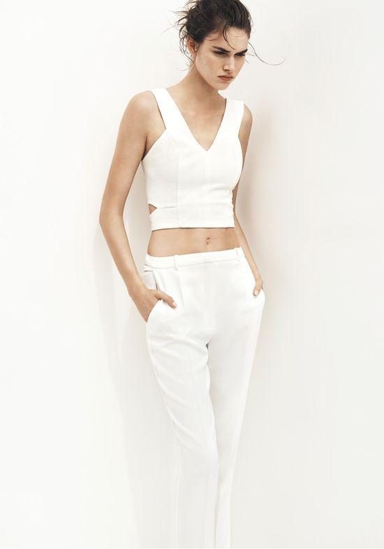 Czarno-biały minimalizm w nowej kolekcji Mango (FOTO)