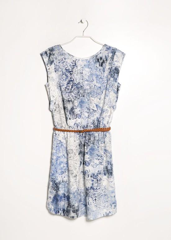 Przegląd lekkich, wzorzystych sukienek od Mango (FOTO)