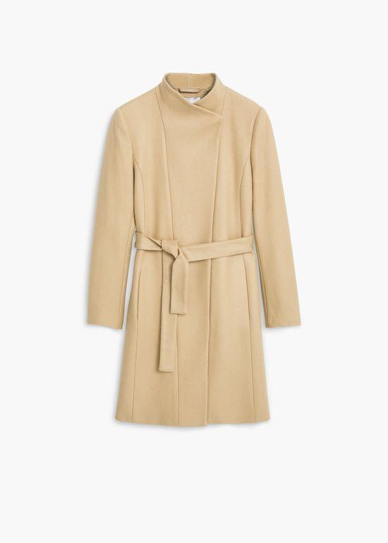 Beżowy płaszcz zimowy - Przegląd topowych propozycji z sieci