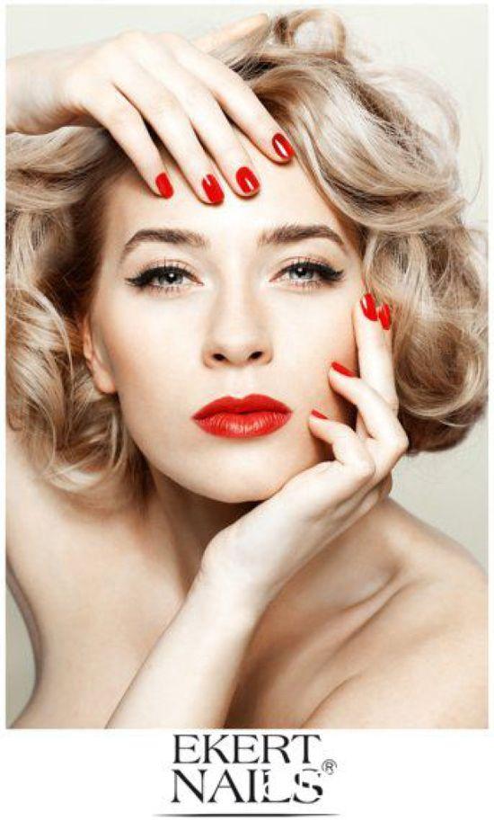 Zawadzka reklamuje lakiery do paznokci