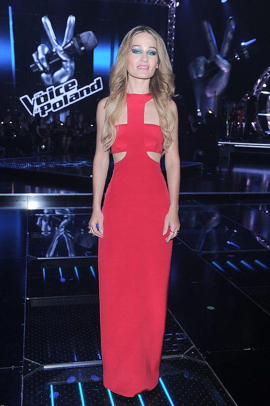Marika w czerwonej sukni