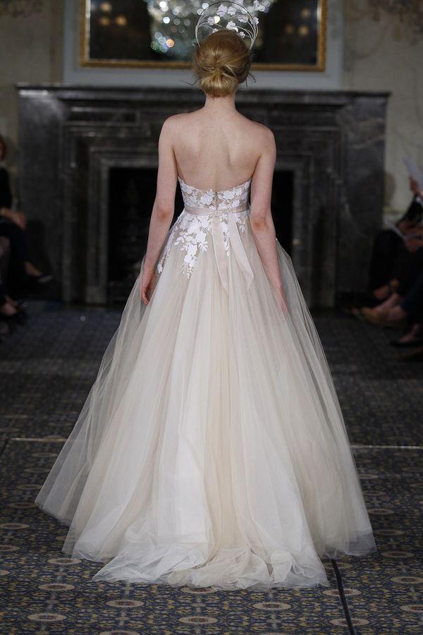 Nie zgadniecie ile kosztowała suknia ślubna Mariny (FOTO)