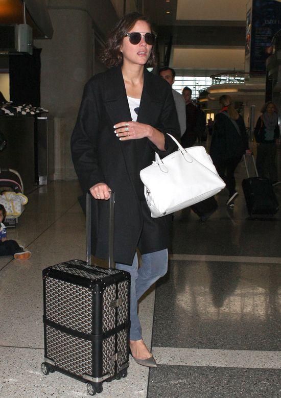 Emma Watson vs, Marion Cottiliard i ich lotniskowy look