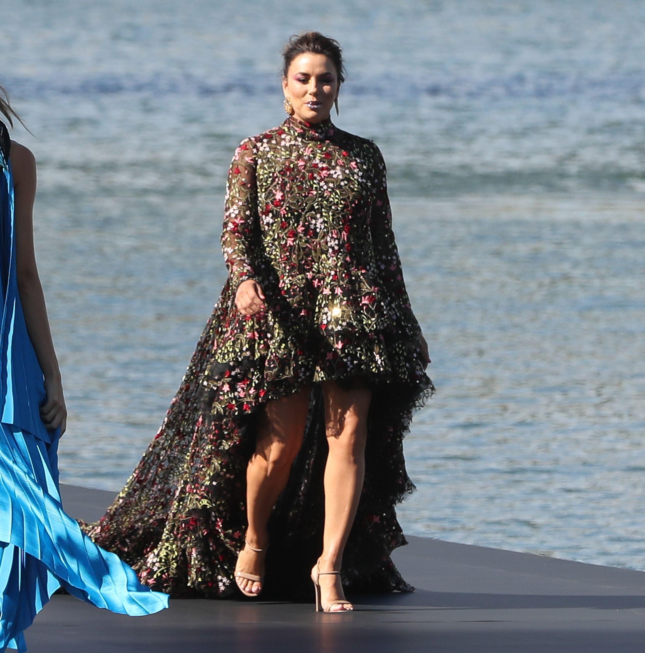 Eva Longoria w wielkim stylu wraca do kariery modelki!