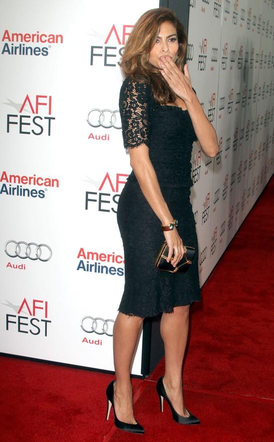 Eva Mendes w koronkowej sukience