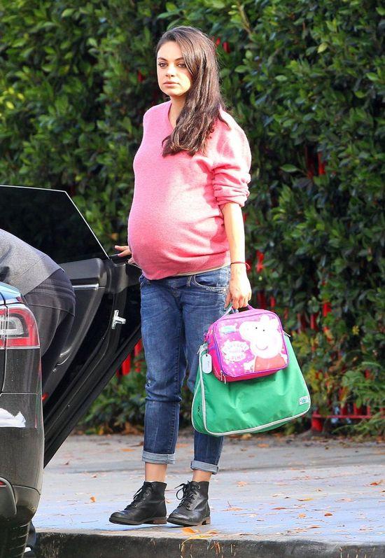 Mila Kunis nie może przestać chudnąć po drugiej ciąży! (FOTO)