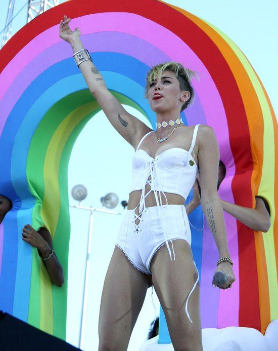 Kolejny odważny zestaw Miley Cyrus