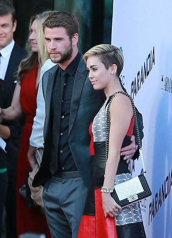 Miley Cyrus w patchworkowej sukience Proenza Schouler