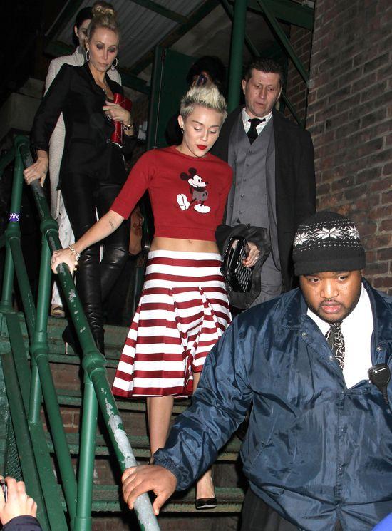 Skąd Miley Cyrus czerpie inspiracje modowe? (FOTO)