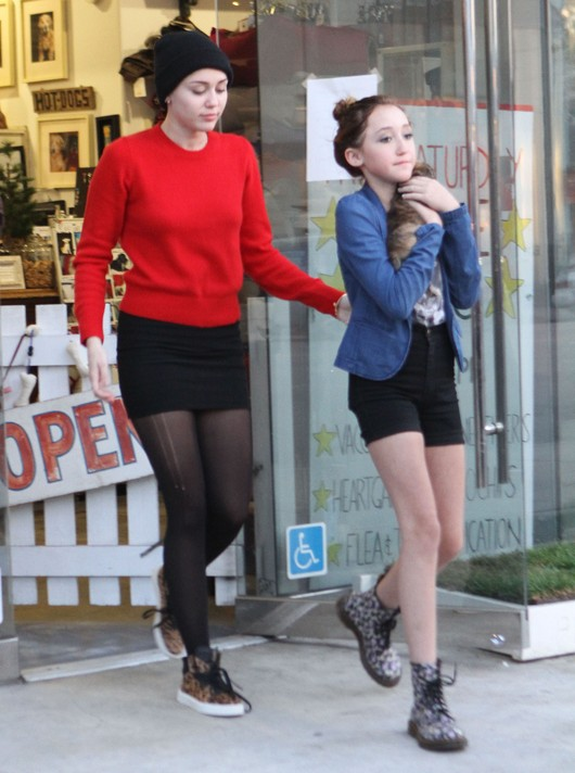Miley i Noah Cyrus na zakupach (FOTO)