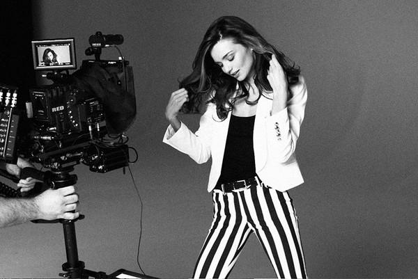 Miranda Kerr została nową twarzą marki Mango