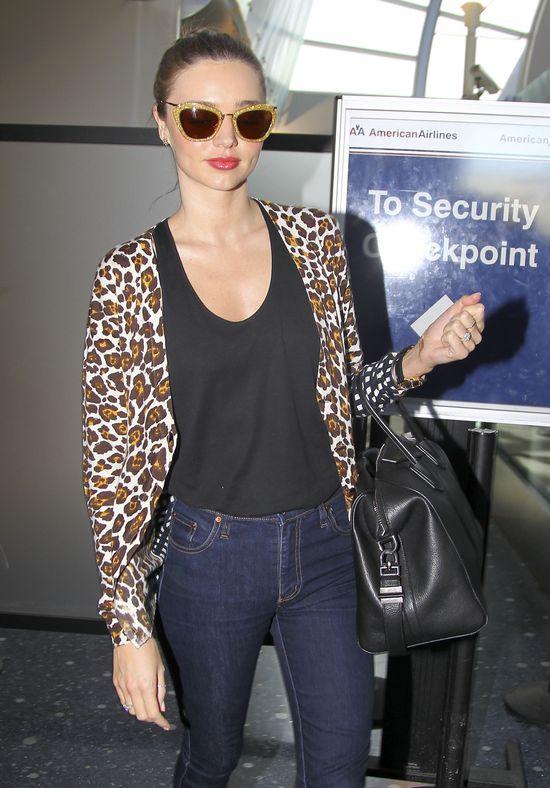 Miranda Kerr od stóp do głów w znanych markach (FOTO)