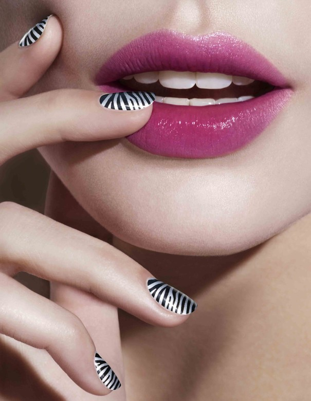 Naklejki na paznokcie Misslyn Nail Revloution