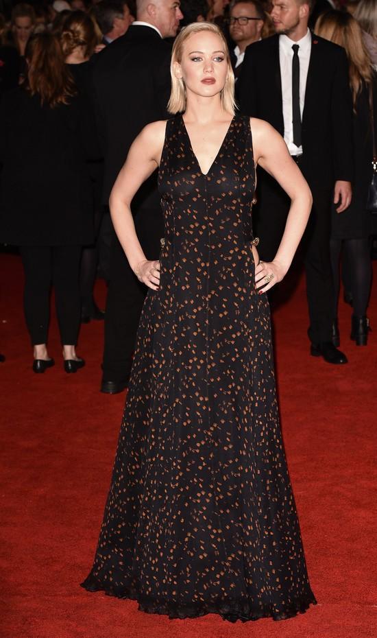 Jennifer Lawrence - seksbomba w Christian Dior Couture