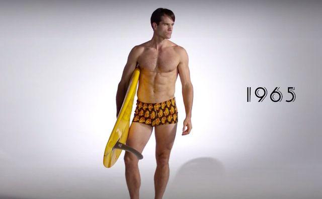 100 lat męskiej mody w 3 minuty -  Gorące plażowe trendy