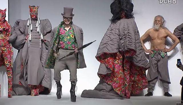 79-letni model zrobił furorę na China Fashion Week (VIDEO)