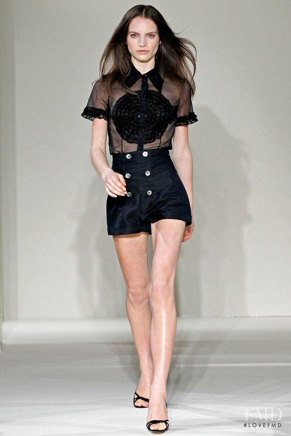 Top modelka opisała w książce szokujące kulisy świata mody