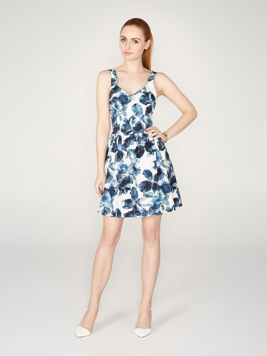 Sukienki, które założysz na wiele okazji - przegląd (FOTO)