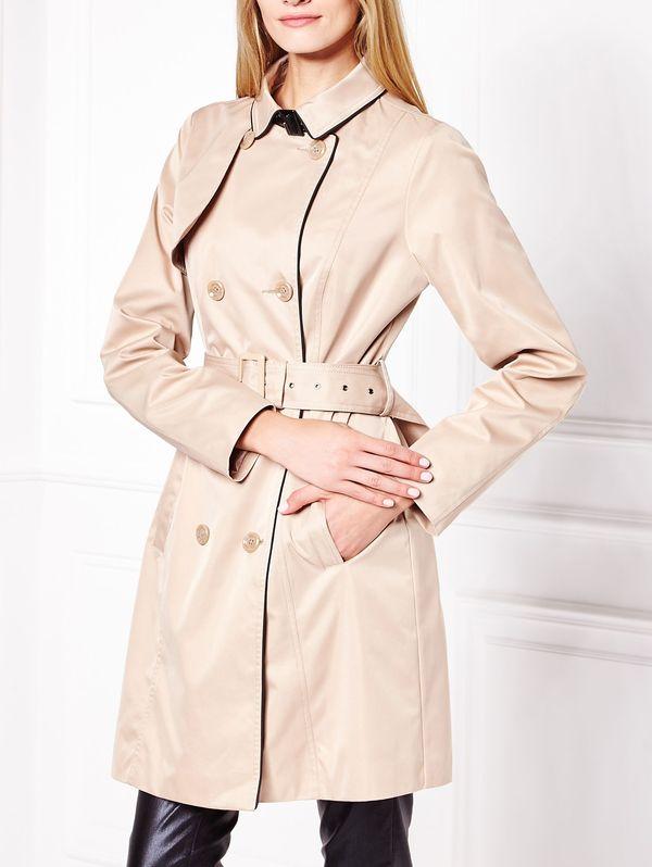 Beżowy trencz - obowiązkowa pozycja w jesiennej garderobie