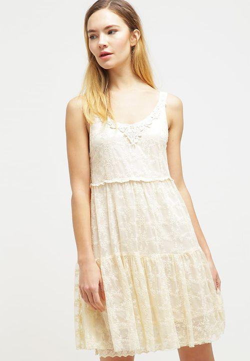 Hit na lato! Modne sukienki w bieliźnianym stylu (FOTO)