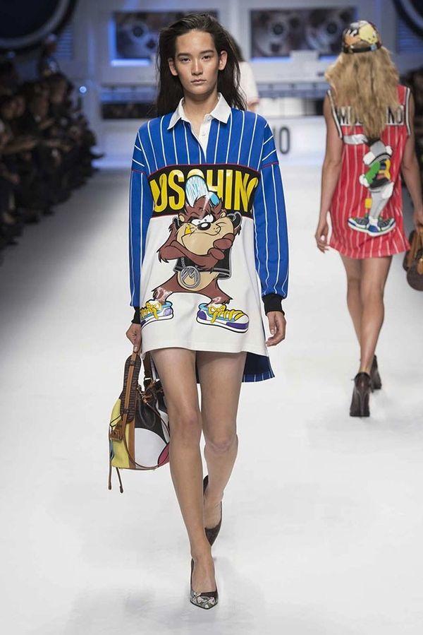 Kolekcja Moschino na jesień 2015 inspirowana hip hopem