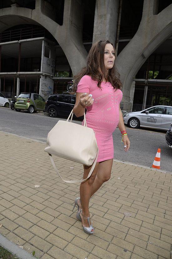 Ania Mucha pokazała ciążowy brzuszek (FOTO)