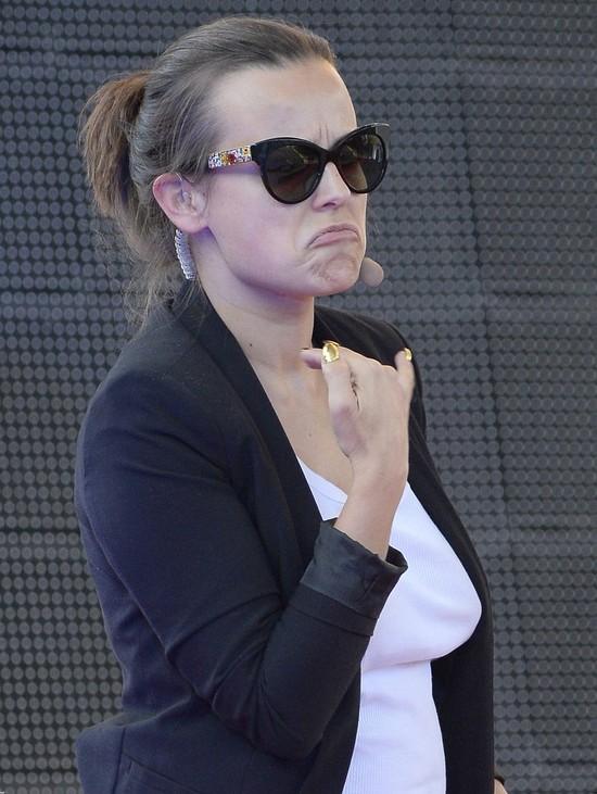 Anna Mucha nie daje rady w Louboutinach (FOTO)