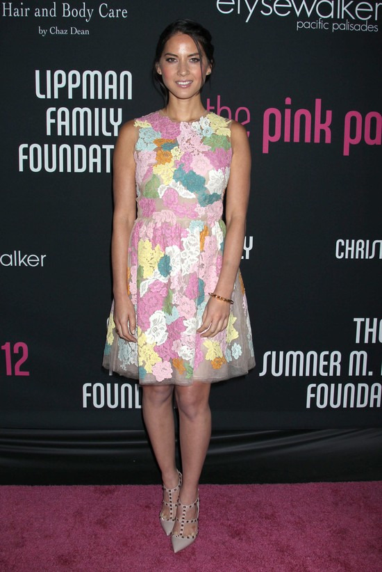 Christina Ricci i Olivia Munn w sukience Valentino