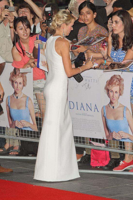 Naomi Watts w Versace