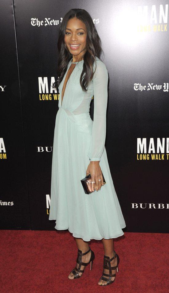 Naomie Harris w Burberry Prorsum