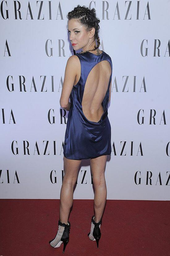Natalia Lesz - fikuśna fryzurka i odważna sukienka (FOTO)