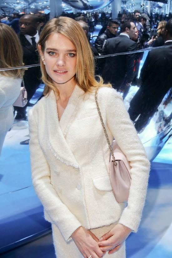 Natalia Vodianova w minimalistycznym makijażu (FOTO)